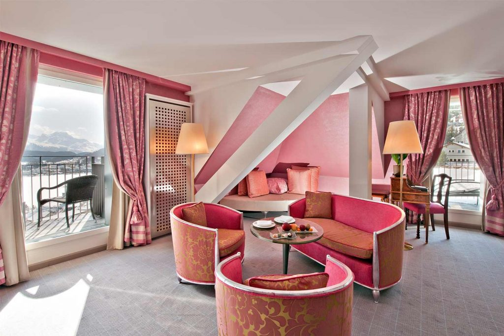 The Carlton Hotel's Pink Suite