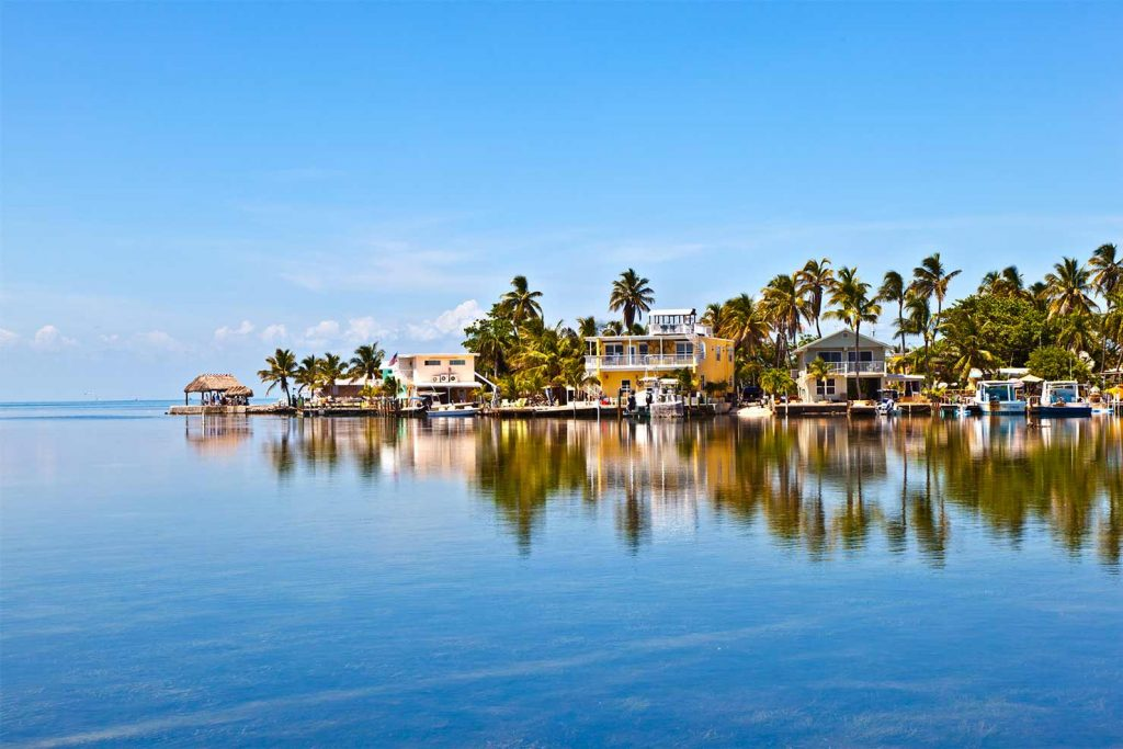 Homes on the water in Key Largo, Florida
