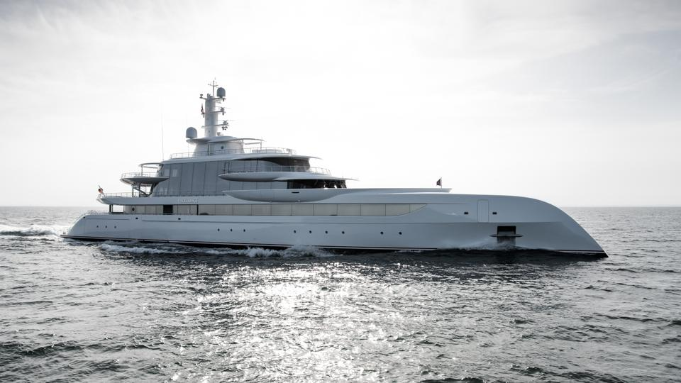 Excellence superyacht