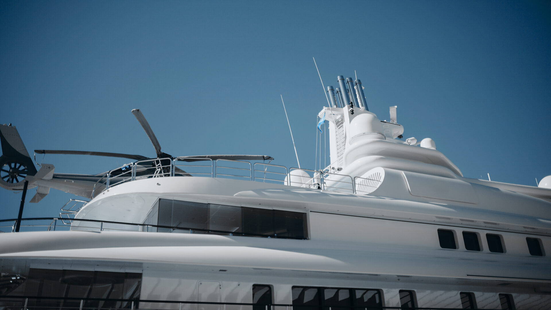 helicopter on yacht