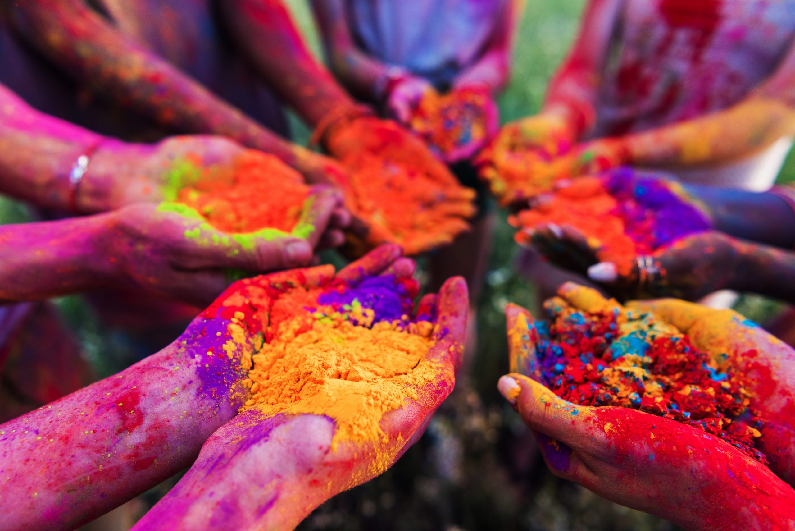color hands india