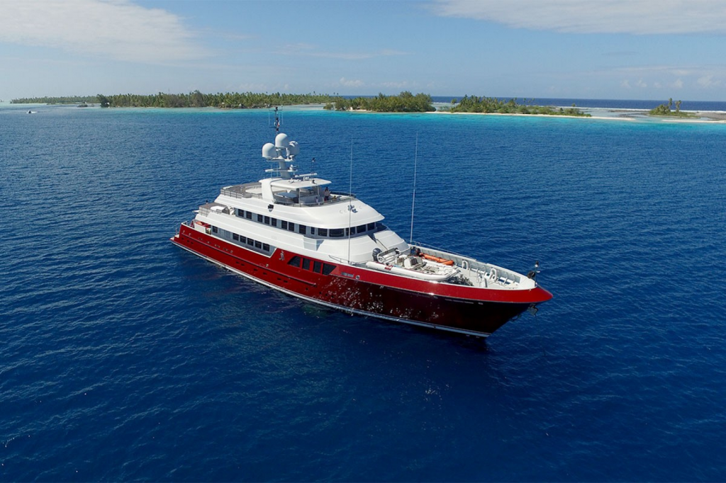Cheoy Lee Expedition Yacht QING Profile