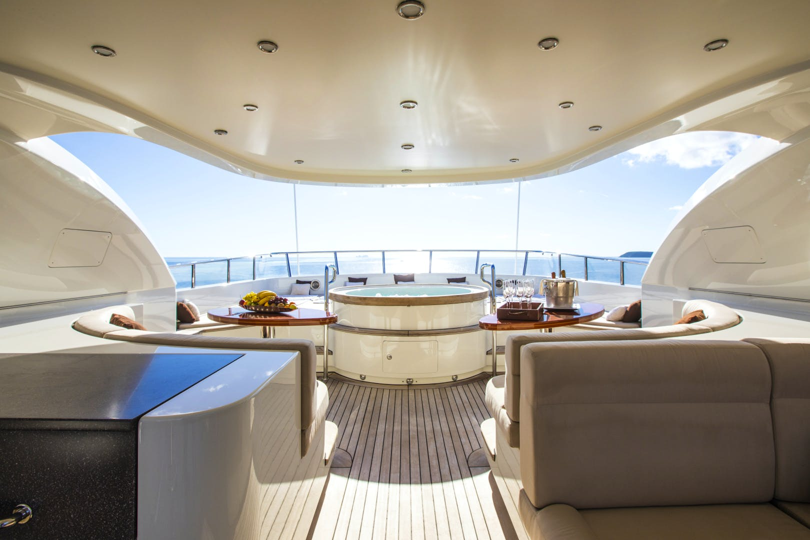 Sunrise superyacht for sale DYNASTY sundeck